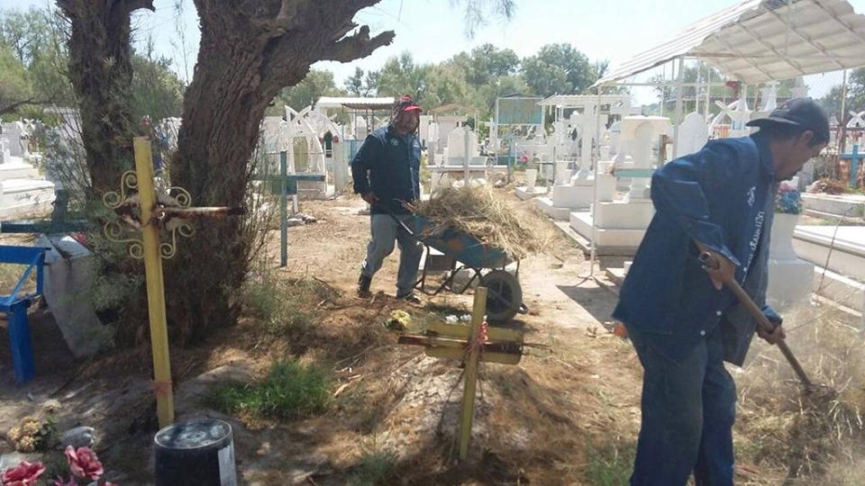 Al 80% avance en limpieza de los panteones en El Fuerte