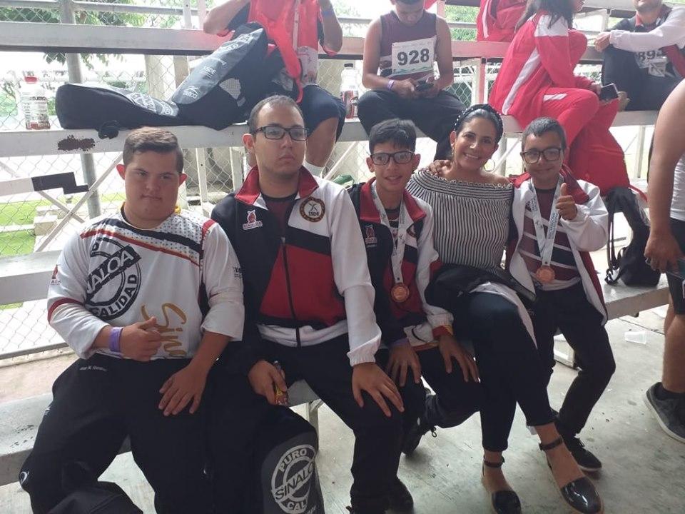 Llegan medallistas ahomenses de la Paralimpiada Nacional